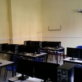 Aula multimediale: la scuola diventa super tecnologica